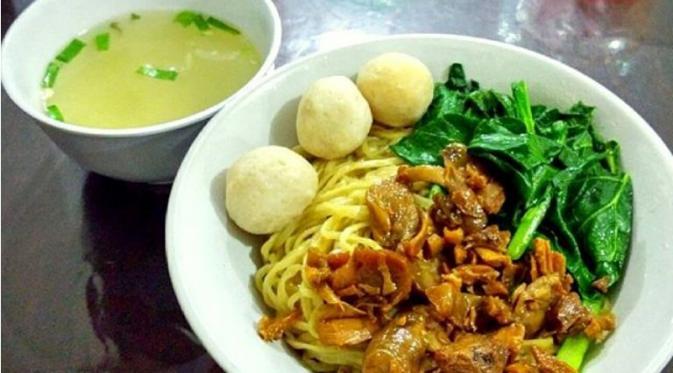 Restoran Mie Ayam Gondangdia, letak sebelumnya di Gondangdia, Jakarta Pusat, kini pindah ke Depok Town Square, Lantai 2, Food Square, Jalan Margonda Raya, Depok | Via: qraved.com
