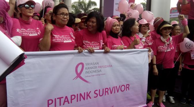 Mulai dari survivor kanker payudara hingga selebritis terlibat dalam Pink Ribbon Run and Walk.