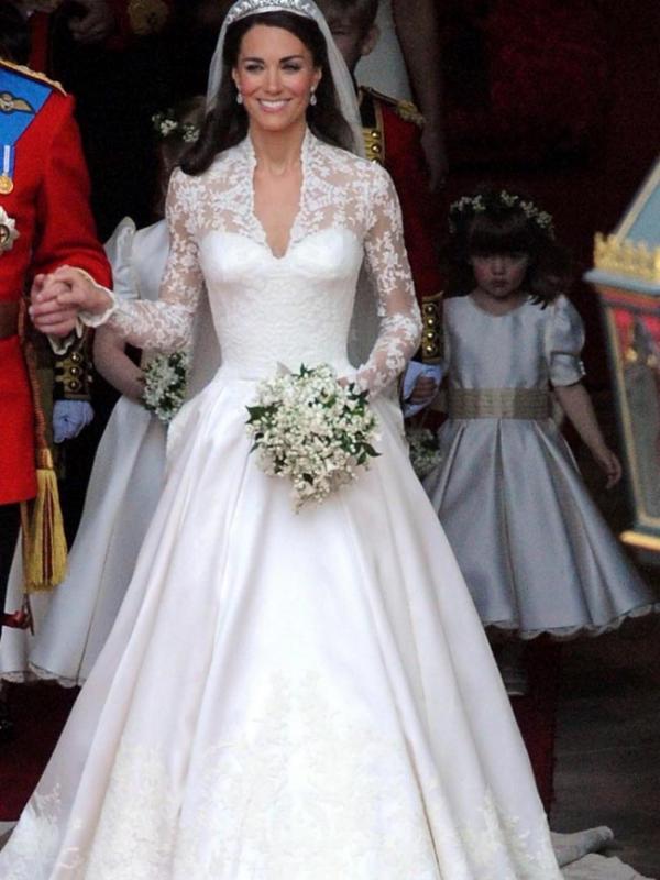 Gaun pernikahan Nabila Syakieb mirip dengan gaun pernikahan Kate Middleton