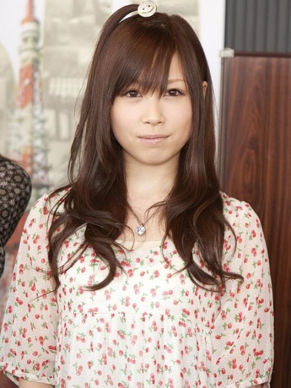 Mari mengenal siapa saja jebolan idol group Jepang AKB48 yang telah dan akan menjajal film-film panas.