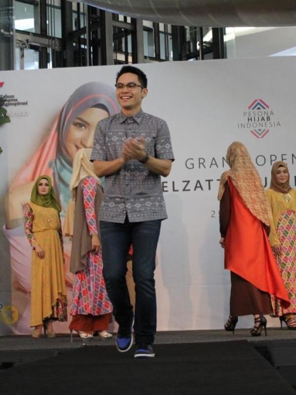 Fashion muslim di tanah air semakin berkembang dan mampu bersaing dengan brand Internasional
