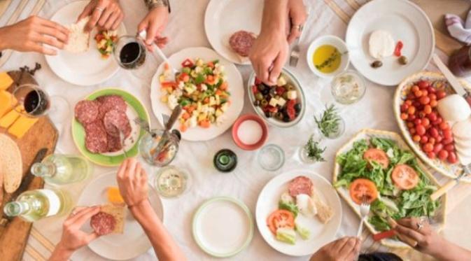 Ini 12 Cara Untuk Lakukan Staycation. Sumber : huffingtonpost.com