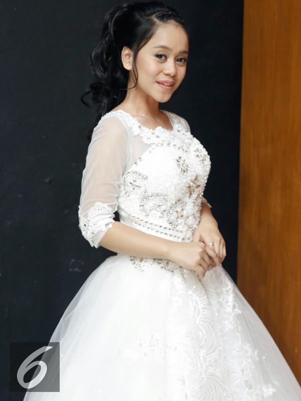 Lesti D'Academy tampil cantik saat syuting video klip lagu Zapin Melayu. [Foto: Faizal Fanani/Liputan6.com]