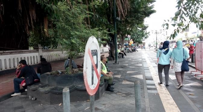 Walau menyenangkan bagi para pejalan kaki, tidak demikian dengan para juru parkir Malioboro. (Liputan6.com/Fathi Mahmud)