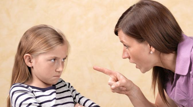 Jangan Siksa Mental Anak Anda dengan 17 Kalimat Ini. (Foto: cdn-images-2.medium.com)
