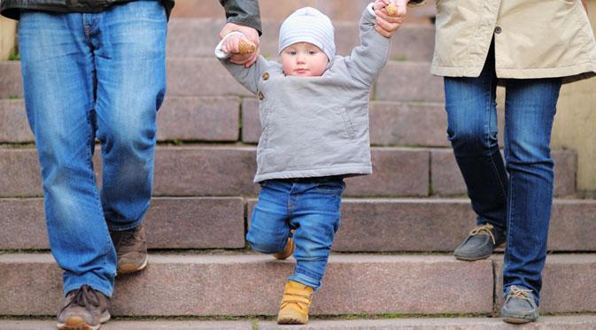 Bila anak memasuki periode The Play Years biasanya sang buah hati akan senang sekali beraktivitas bersama Anda.