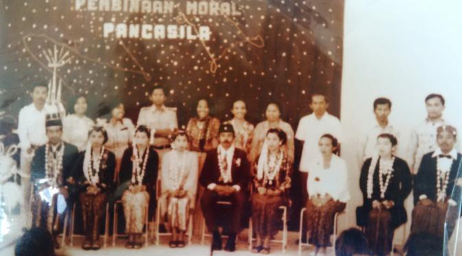 Foto kenangan Heryani Busono, eks tapol peristiwa 1965. (Liputan6.com/Edhie Prayitno Ige)