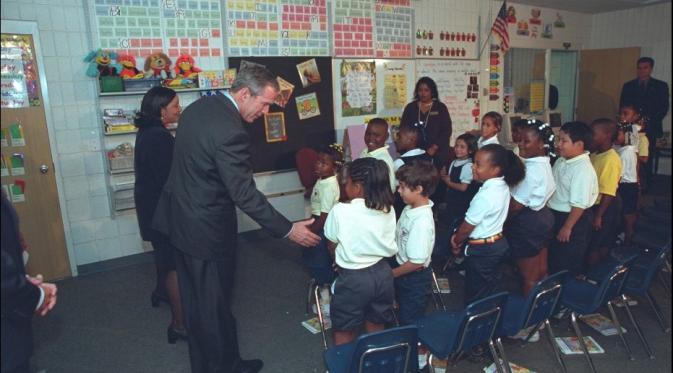 Terungkap, 16 Ekspresi George Bush Saat Kejadian 9/11 (Eric Draper/CNN)