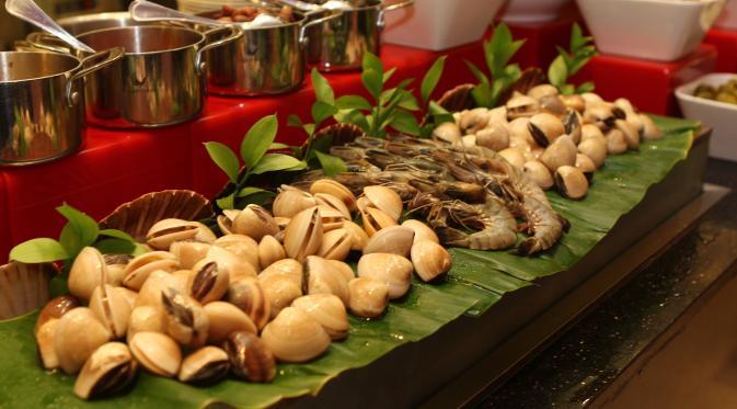 Pilihan menu seafood pasta of the day di restoran SATOO, Shangri-La Hotel, Jakarta