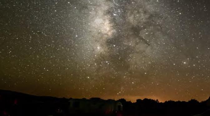 Cosmic Campground AS menjadi salah satu tempat konservasi untuk melihat langit malam yang masih murni (darksky.org)