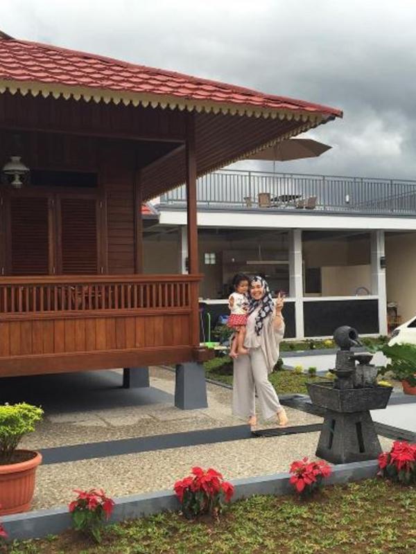 Vila baru Ayu Ting Ting (Instagram/@mom_ayting92)