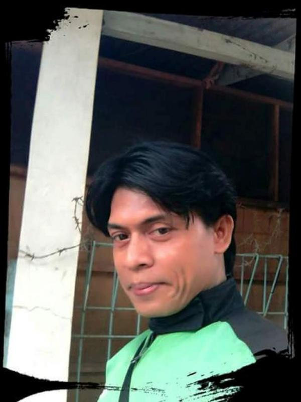 Mirip Shahrukh Khan, Ini Driver Ojek Online Paling Dicari. (Foto: Facebook)