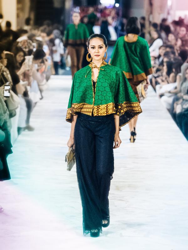 Indahnya Koleksi Terbaru Anne Avantie Batik Dari Sabang Merauke