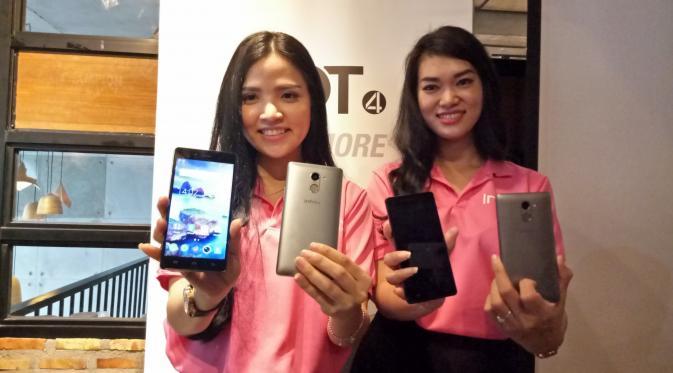 Duo smartphone terbaru Infinix, yakni Hot 4 dan Hot 4 Pro. (Liputan6.com/Agustin Setyo Wardhani)
