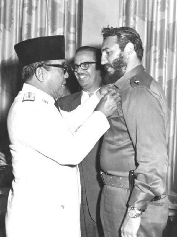 Fidel Castro-Bung Karno. foto: indonesia.estranky.cz