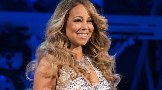 Beberapa netizen berkomentar jahil mengenai foto yang diunggah Mariah Carey di akun media sosial (Billboard)