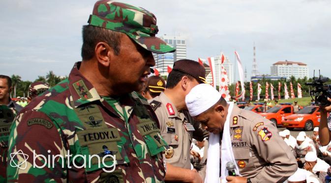 Pasukan Asmaul Husna Siap Sejukan Demo 2 Desember dengan Dzikir. (Bintang.com/Nurwahyunan)