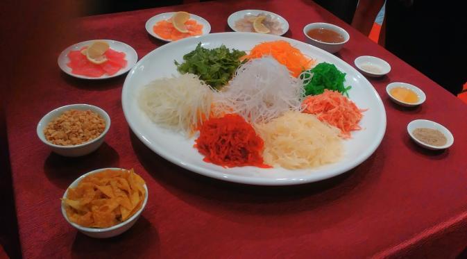 Yu Sheng, makanan andalan tahun baru imlek akan hadir dalam menu set Pullman Signature