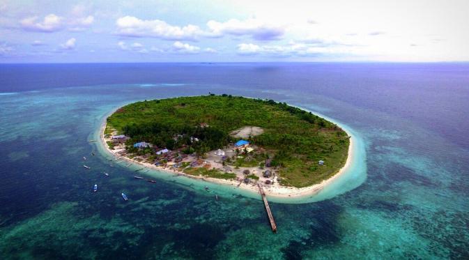 Pulau Sombori menjadi lokasi glamping terasyik untuk habiskan momen liburan akhir tahun. Foto: Andi Jatmiko/ Liputan6.com