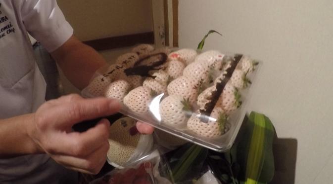 Buah Jepang ini dijual dalam Guest Chef Series, Katsuki Toshihisa di Nishimura Restaurant, Shangri-la Jakarta.