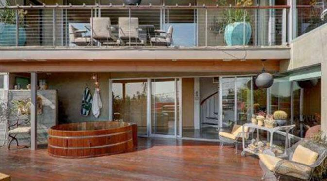 Sudut rumah Ryan Gosling dan Eva Mendes di Los Angeles. (Foto: Cosmopolitan)