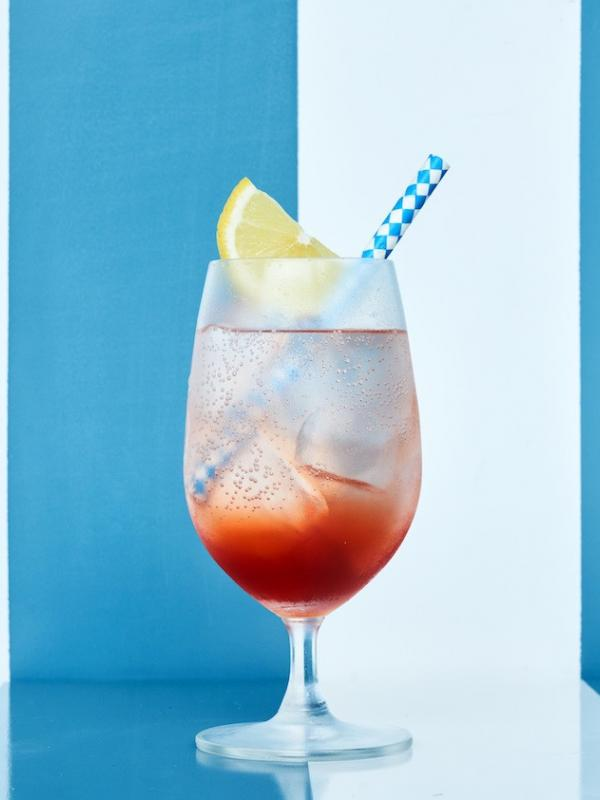 Koktail N17, minuman klasik dengan cita rasa khas Itali dari bar Da Maria Bali.