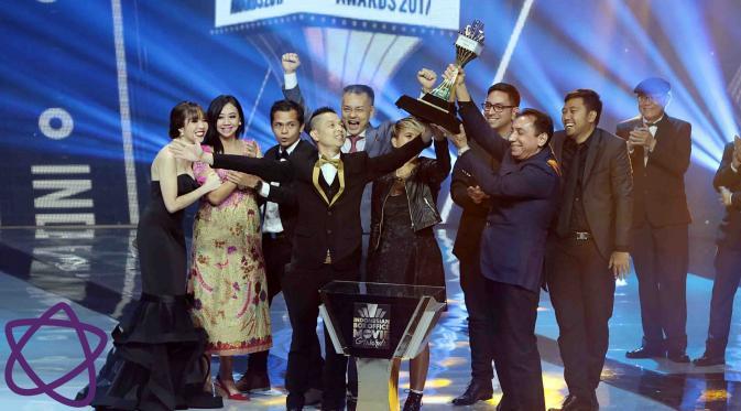 Cek Toko Sebelah jadi Film Box Office Terbaik di IBOMA 2017. (Deki Prayoga/Bintang.com)