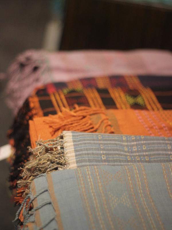 Riri Rengganis memperkenalkan koleksi kebaya kontemporer ke dunia melalui brand terbarunya Rengganis.