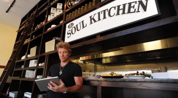 Restoran milik Bon Jovi tidak hanya memuaskan perut tetapi juga perbanyak amal baik.