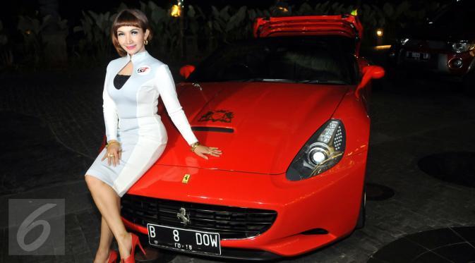 Aktris cantik Roro Fitria ketika ditemui di kawasan Kemang, Jakarta, Jumat (26/6/2015). (Liputan6.com/Panji Diksana)