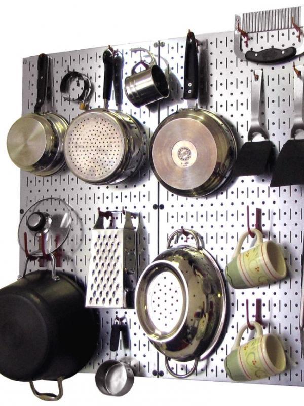 7 Cara Agar Dapur yang Kecil Bisa Menyimpan Banyak Alat Masak   via: facebook.com