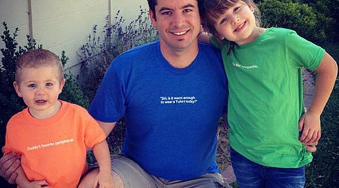 Beau Coffron dan kedua anaknya. (Via: lunchboxdad.com)