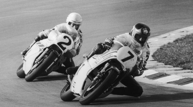 Rivalitas Kenny Roberts dan Barry Sheene terjadi pada periode akhir 1970-an hingga awal 1980-an. (Red Bull)